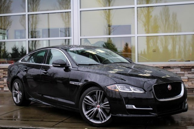 Pre-Owned 2016 Jaguar XJ Supercharged